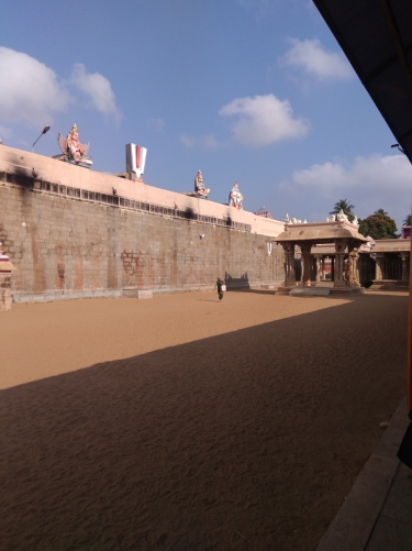 Srirangam temple inside